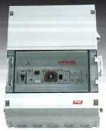 Kontrolna table za 3 pumpe, sat, zaštita od preopterećenja i  GFCI